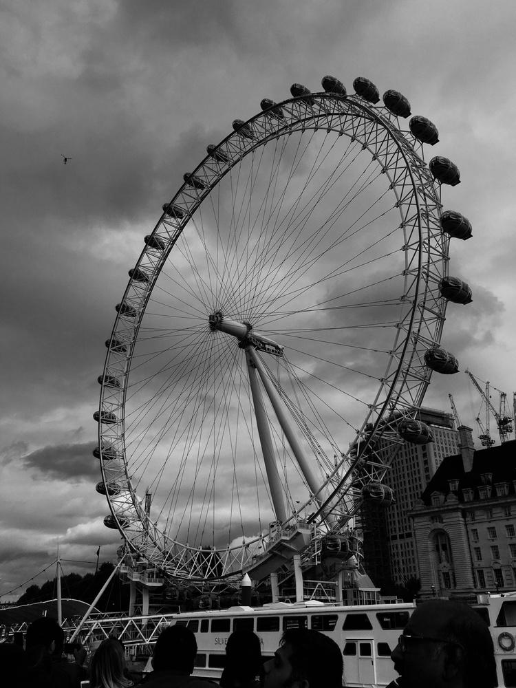 LondonEye, UK by Kalpesh Purohit