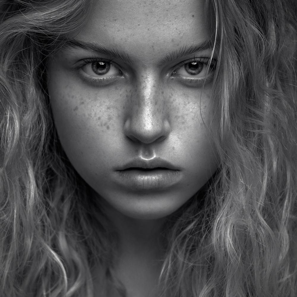 Laura by Tomas Haluska