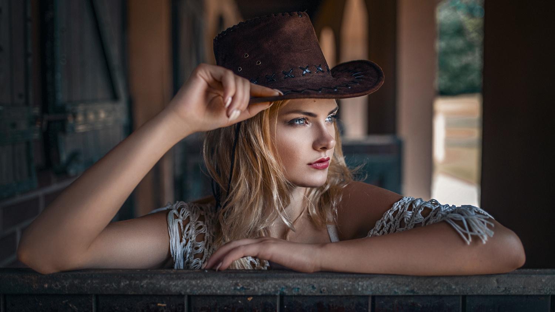 Cowgirl by Damian Piórko