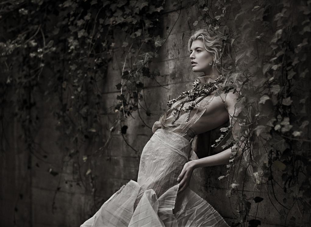 Mary by Vicky Papas Vergara