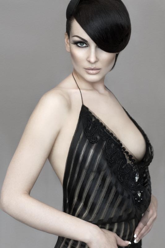 Miss Duffy II  by Vicky Papas Vergara