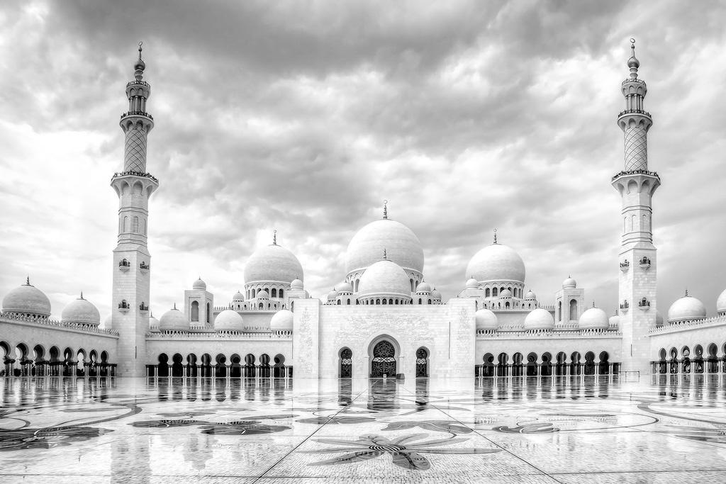 Grand Mosque - Abu Dhabi by Jamal Al-Nabulsi