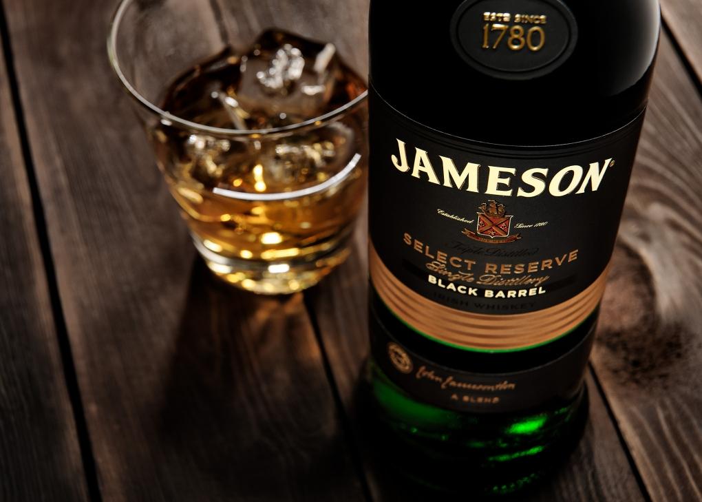 Black Barrel - Jameson by Ramiro Silva