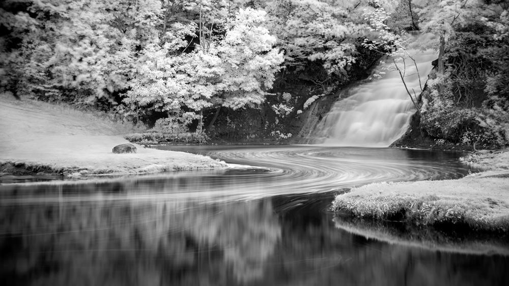 Holley Falls by Gary Muth