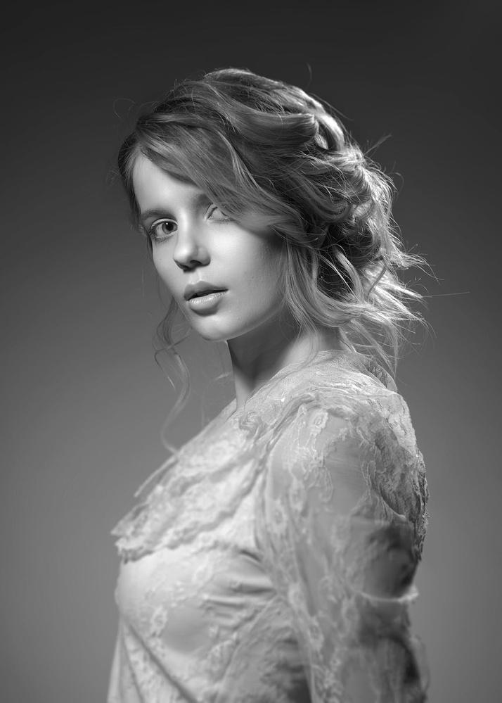 GIRL IN BLOUSE by EVGENIY KUSHEL
