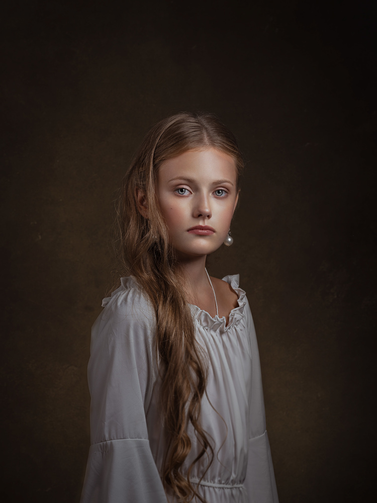 PORTRAIT OF A YOUNG GIRL by EVGENIY KUSHEL