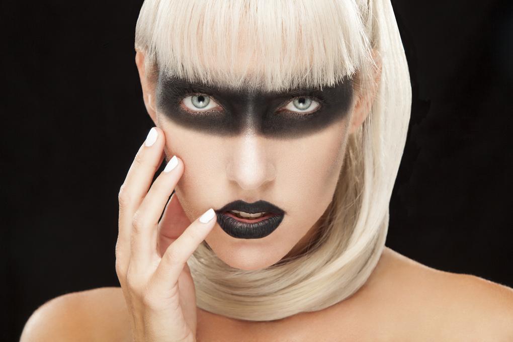Dark Beauty by Ian Jacob