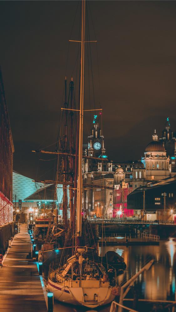 Albert dock by Phil Daley