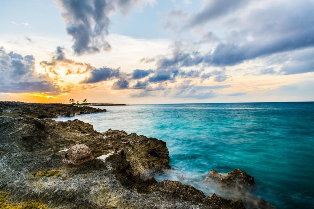 Bahamas Sunset by Tam Nguyen