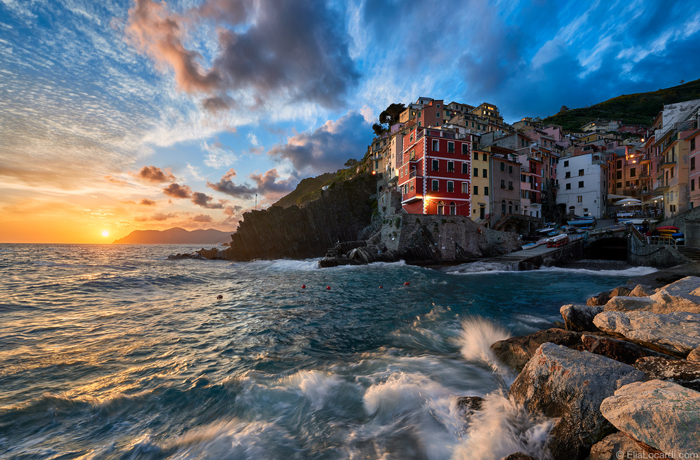 In Harmony With The Sea by Elia Locardi