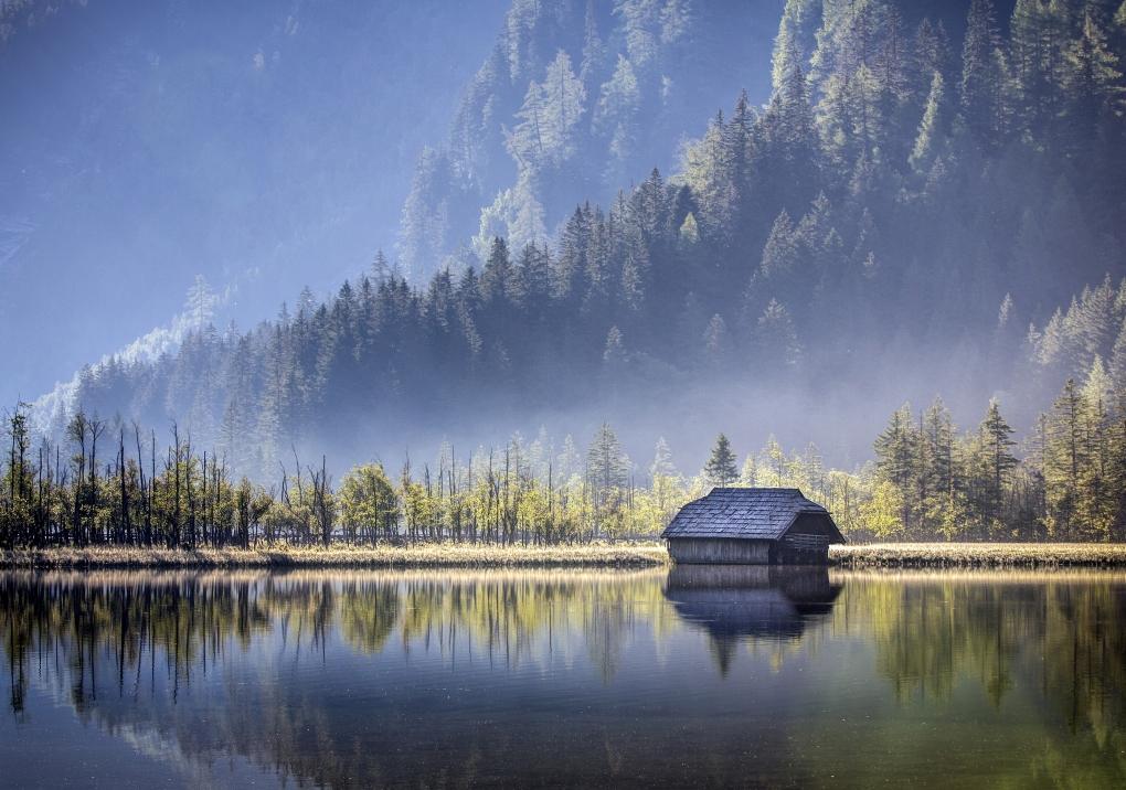 Lake hut by Bruno Kolovrat
