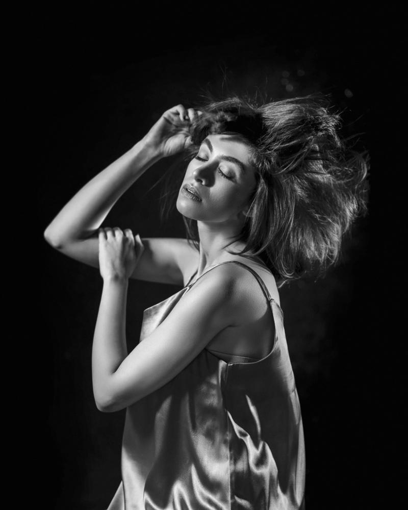 Dancing dream by Akram Niksefat Zendehdel