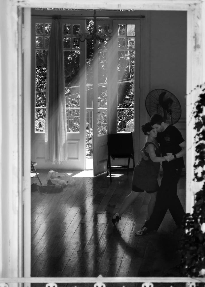 DNI Tango School by Mariano de Miguel