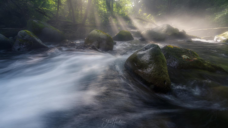 Light beam by Sho Hoshino