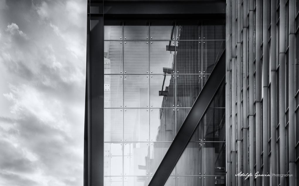 Glass Box by Adolfo Segar