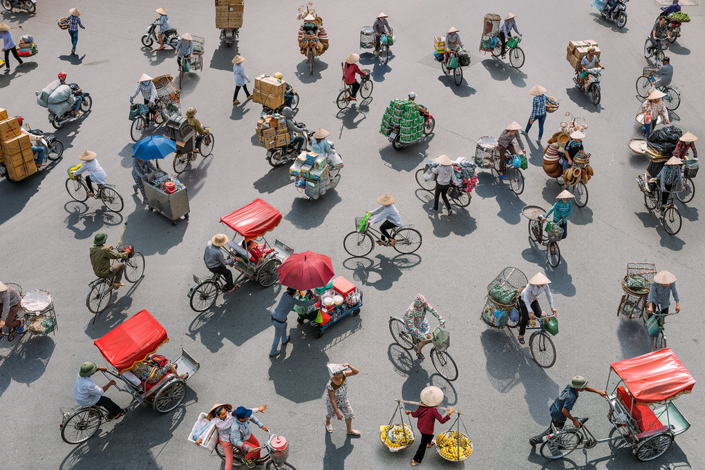 Fragments of Hanoi by Peter Stewart