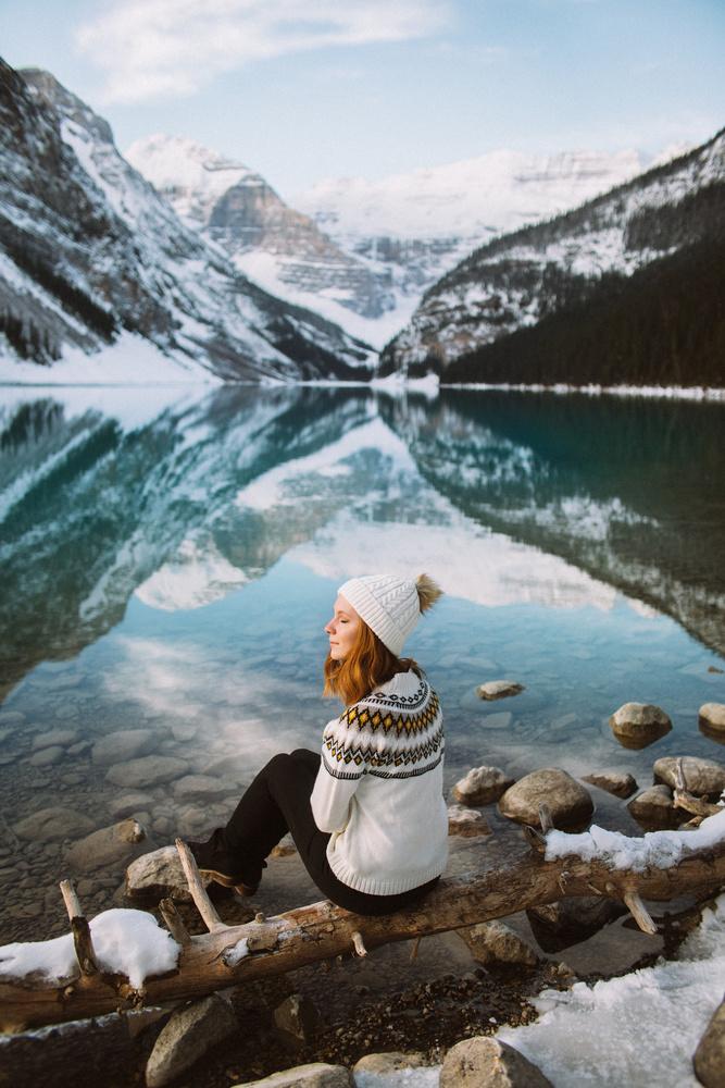 Morning sun in Lake Louise by Camille Girard