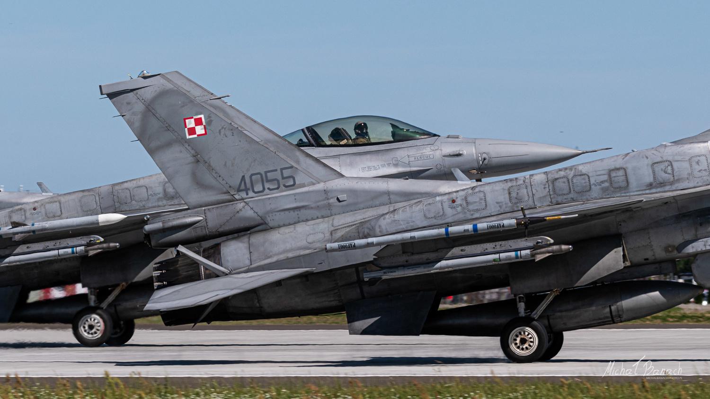 Lockheed Martin F-16C Jastrząb by Michał Banach