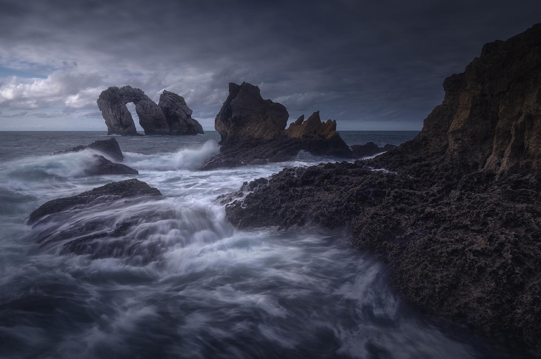 Sea by Luis Martínez