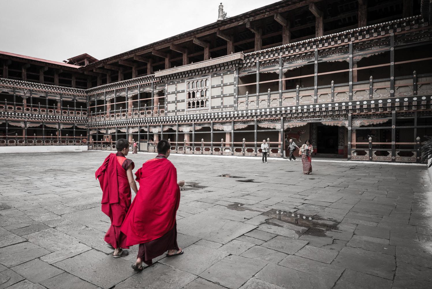 Bhutanese Monks by Louen TANG