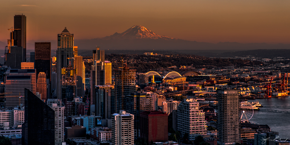 Seattle Cityscape at Sunset by Fraser Almeida