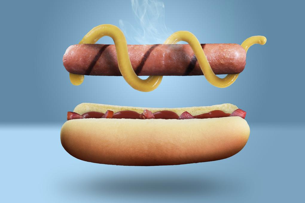 Hot-Dog by Guillermo Fierro