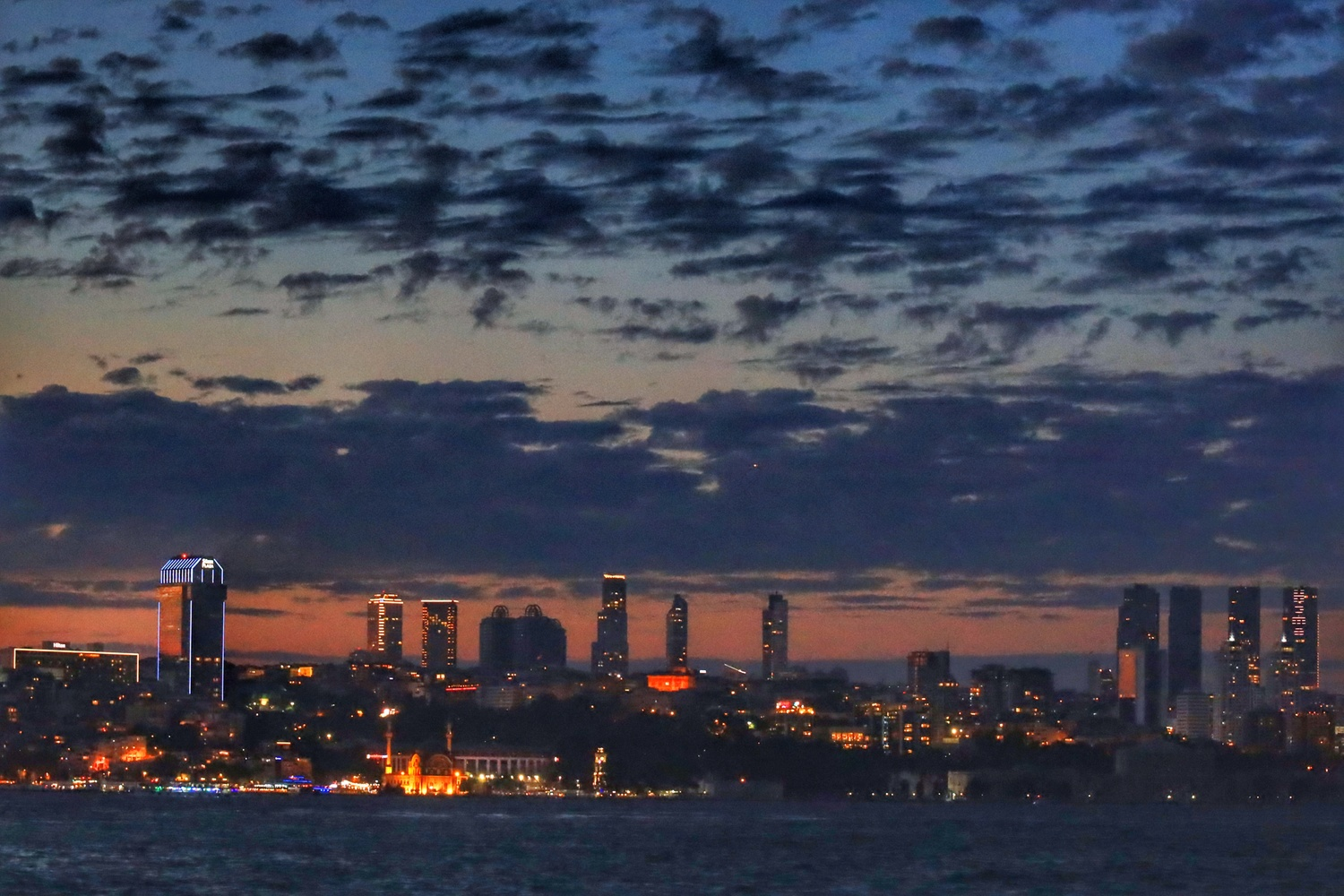 You must see Istanbul at sunset by İsmail Alper Şenova