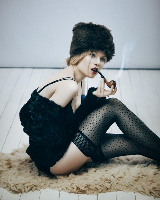 Russian woman (crazy fun style) by Nikolai Lev4enko