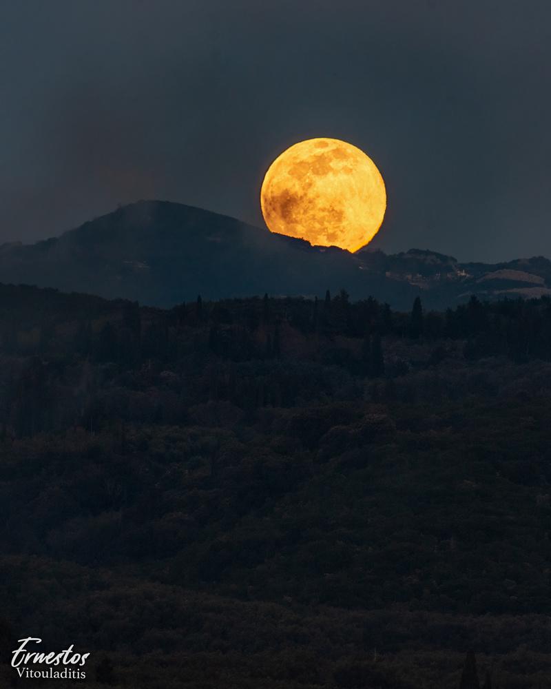 April Full Moon 2021 Corfu by ernestos vitouladitis