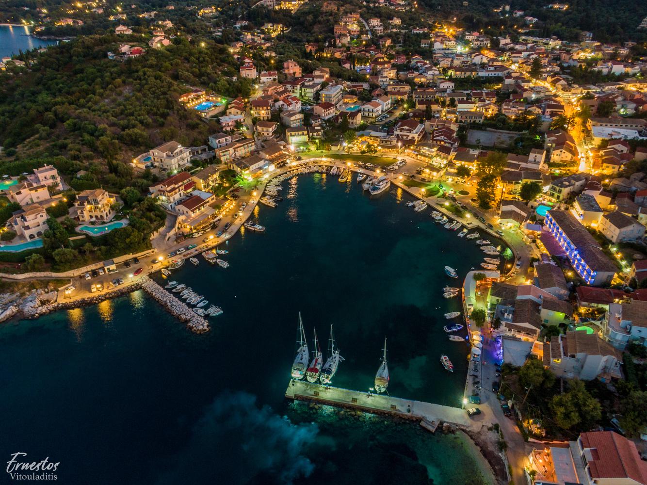 kassiopi by night by ernestos vitouladitis