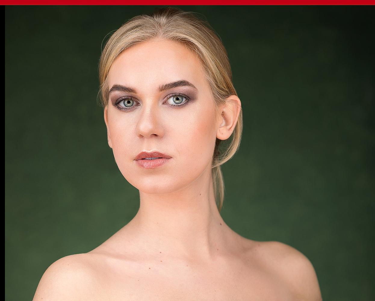 portfolioshoot-model-angelika-green-eyes by Bart van Hattem