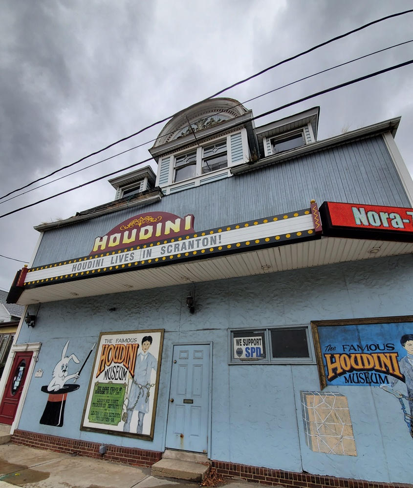 HOUDINI LIVES IN SCRANTON by Kathy DITTON