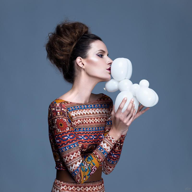 Balloon Kiss by Erwan Ermel