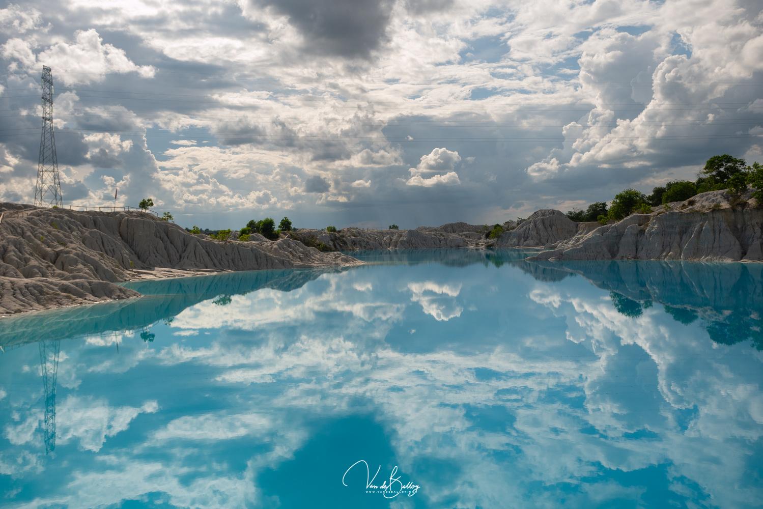 Danau Kaolin by Dedy Irvandy