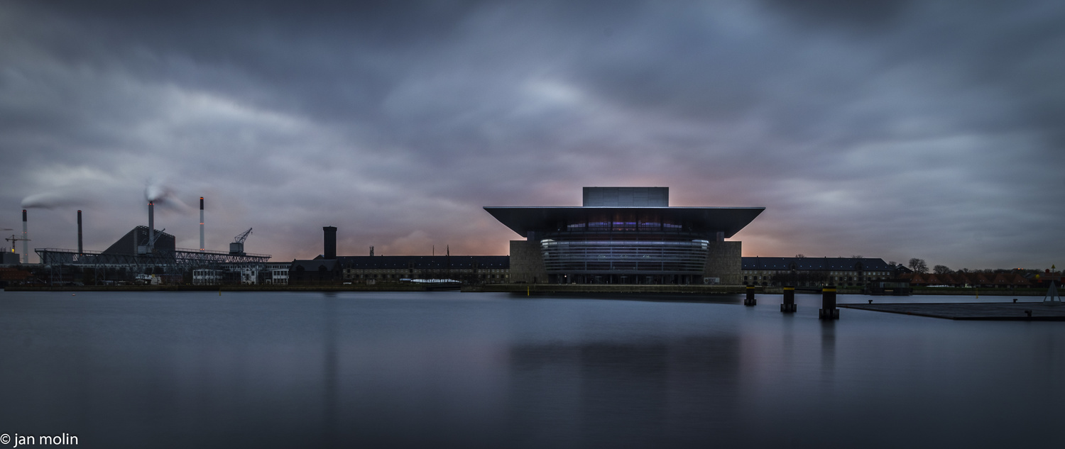 The opera in the morning by Jan Molin