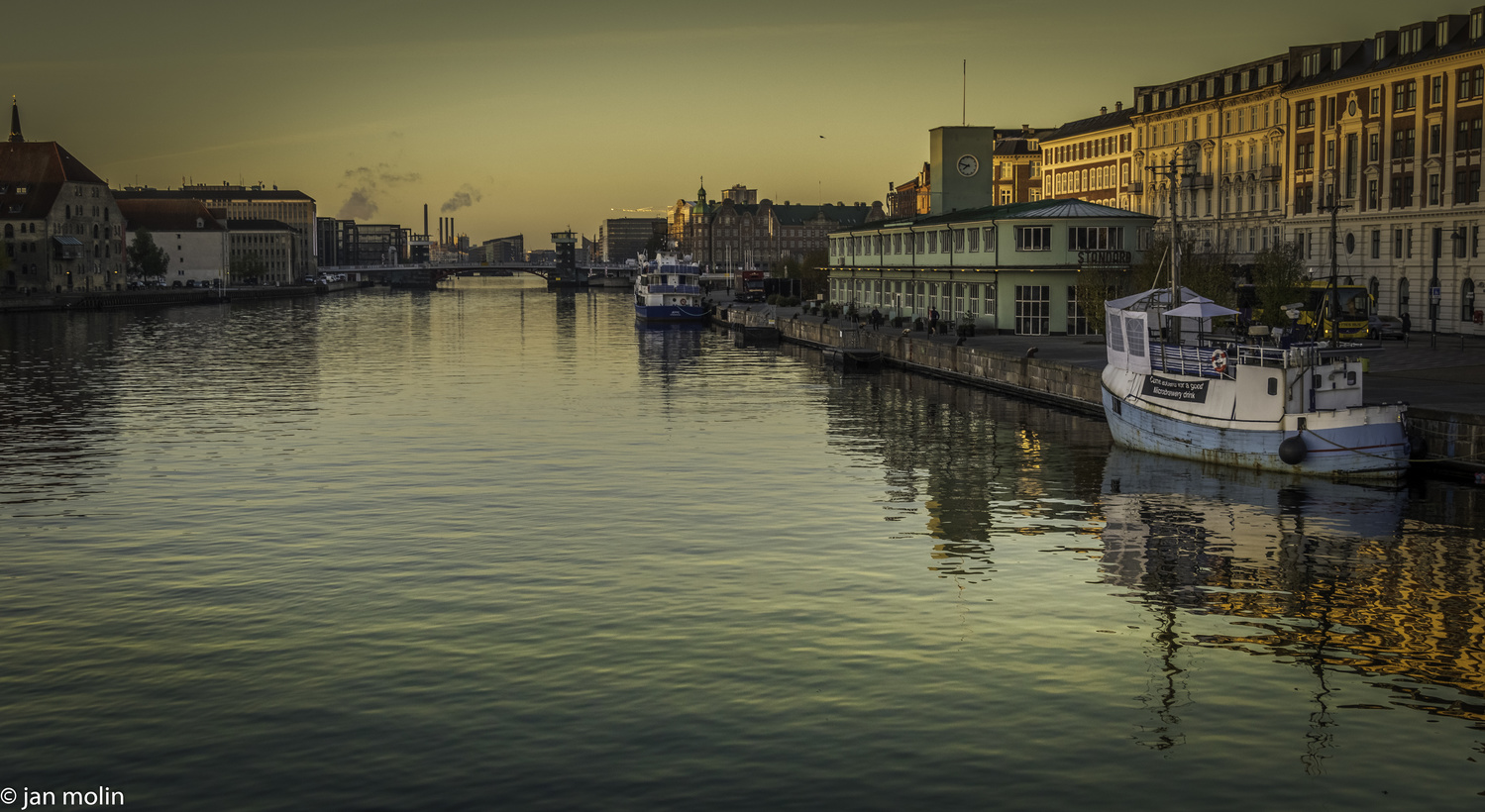Before the harbor rush by Jan Molin