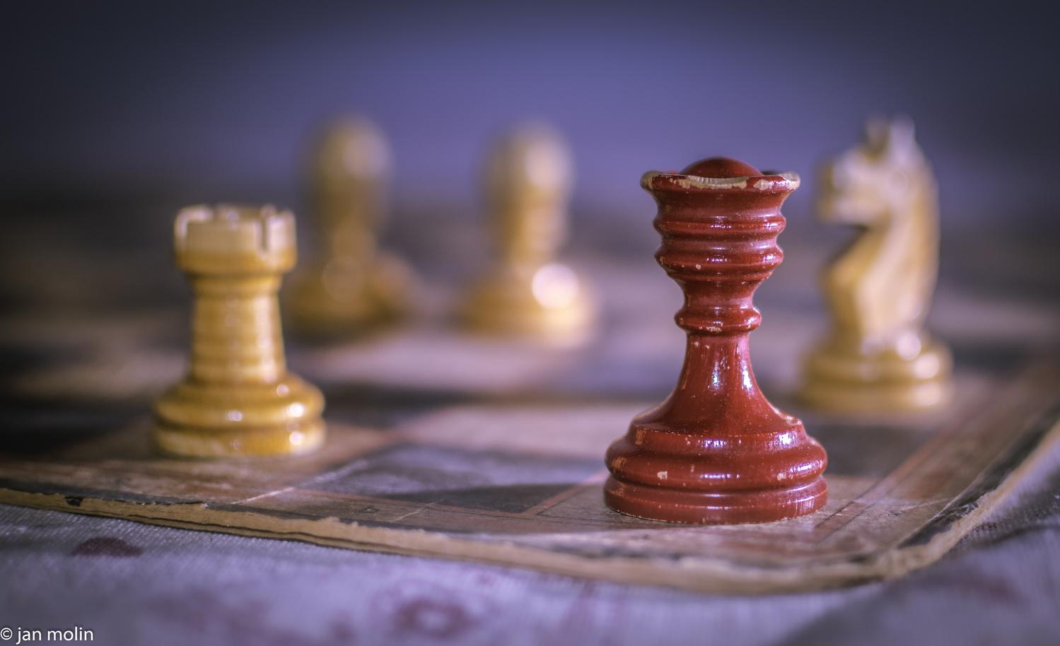 Kings fall by Jan Molin