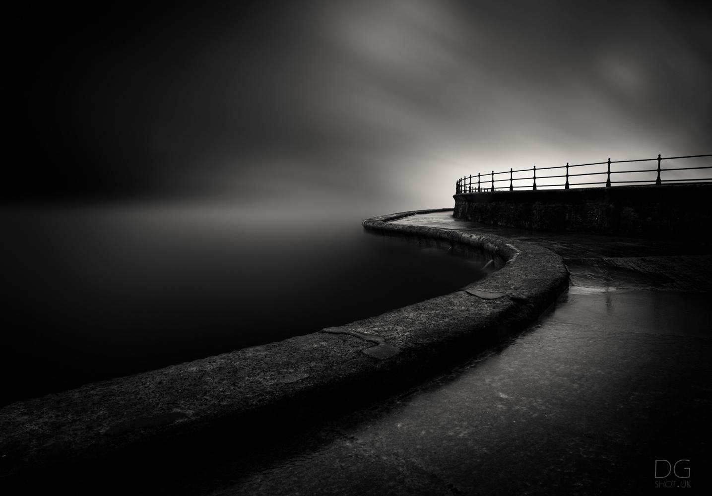 Scarborough Sea Wall by David Garthwaite