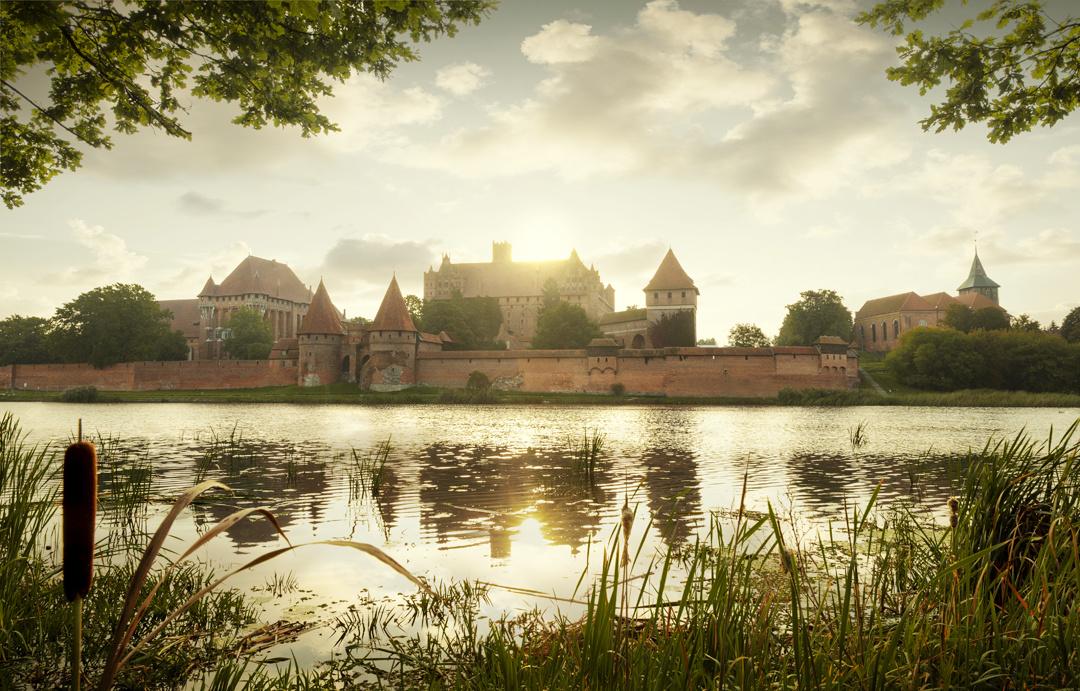 Malbork Castle by Mikolaj Niemczewski