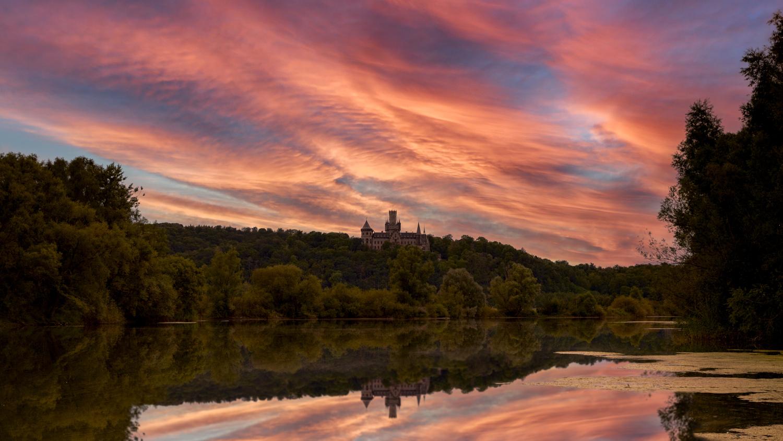 Schloss Marienburg by Jan Christian Zimara