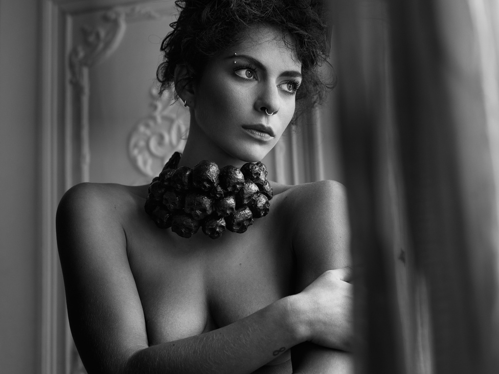 Sadie Von Paris by Peter Coulson