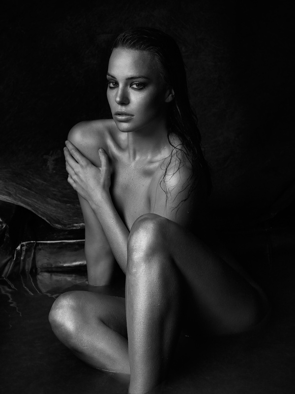 Natascha gold by Peter Coulson
