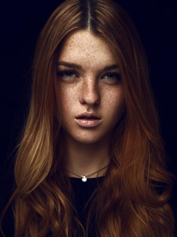 Lara by Robert Sakowski