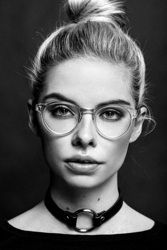 Katrin by Robert Sakowski