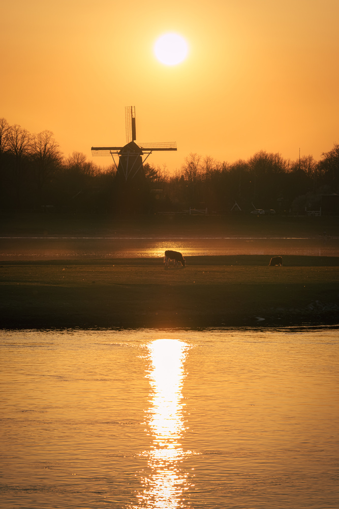 Sunset above the mill by Jaimy Leemburg