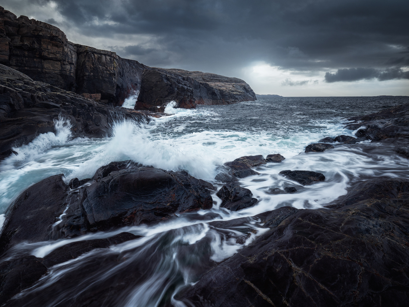 Moody days, moody waves by Rudi Sørstrønen