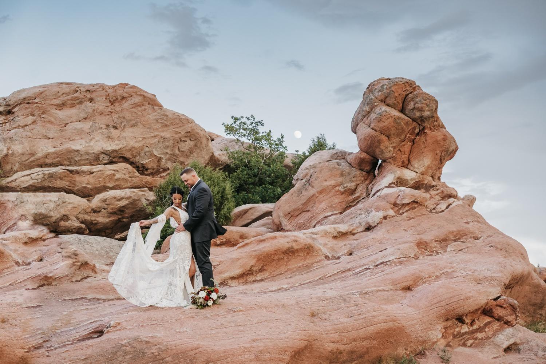 Red Rocks Elopement by Marcela Suter