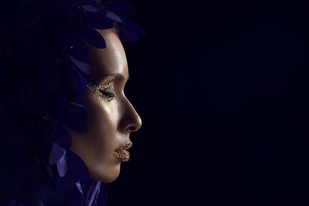Bright Queen by Dodô Villar