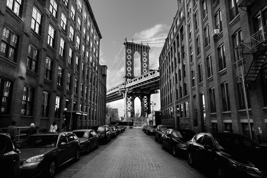 Manhattan Bridge by Eduardo Cavasotti