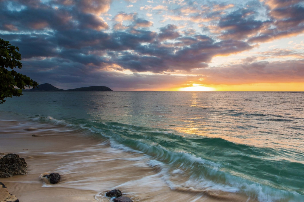 Kahala Sunrise by Geoff Miasnik